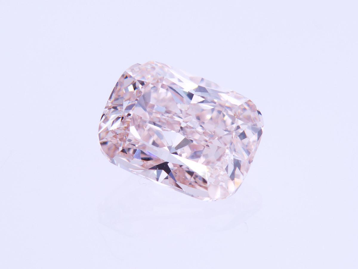 2.21 Carat Cushion Brilliant Loose Diamond, Pink, VVS2