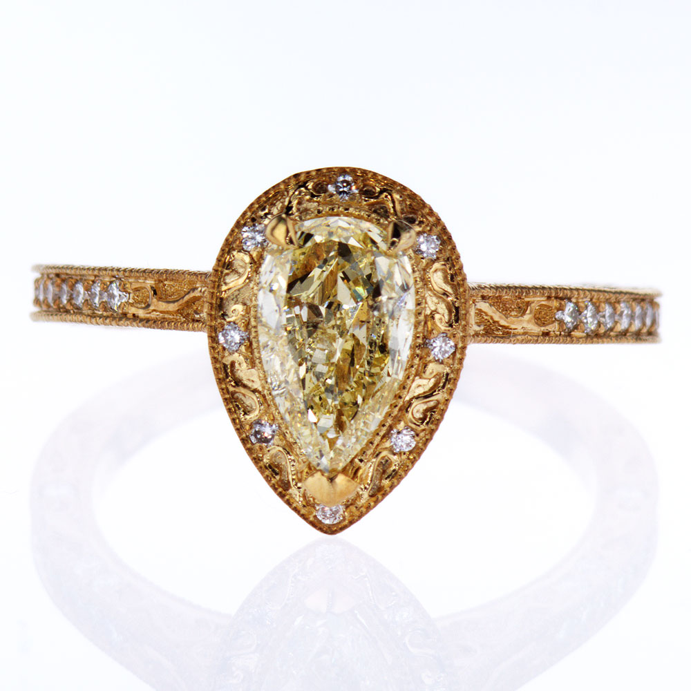 Dino Lonzano bas-relief Engagement Ring, 18k Yellow Gold(semi mount)